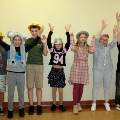 Klasa 5a podczas obchodów szkolnego Dnia Dziecka