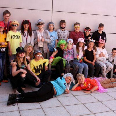 Klasa 6a podczas obchodów szkolnego Dnia Dziecka