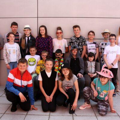Klasa 6c podczas obchodów szkolnego Dnia Dziecka