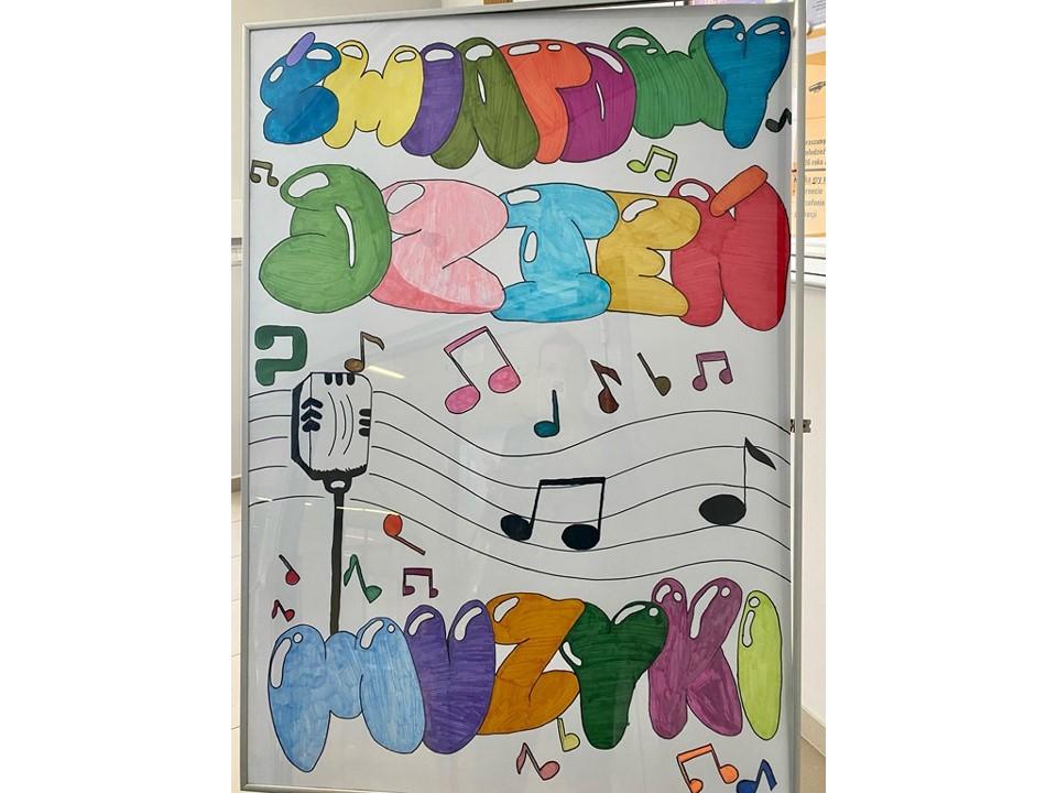 Plakat wykonany przez uczniów w ramach Międzynarodowego Dnia Muzyki